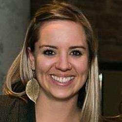 Amy Giggey Headshot