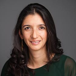 Paola Shah Headshot